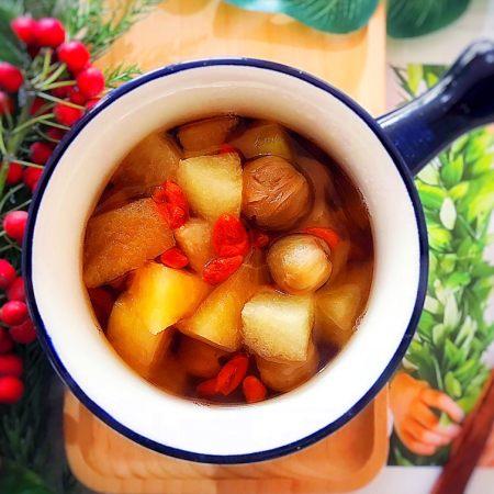 百变水果~养生养颜の枸杞桂圆苹果蜜梨甜汤