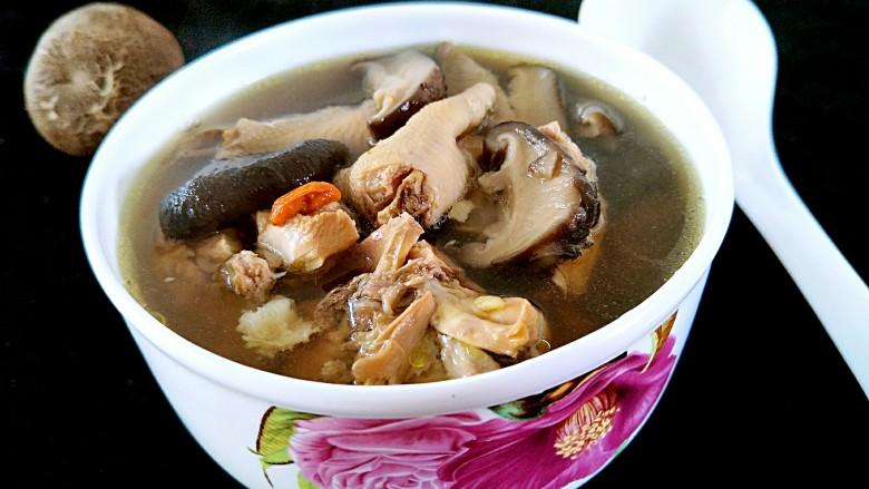 花菇炖鸡汤🐔