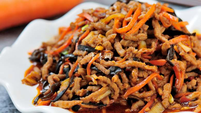 经典家常菜之鱼香肉丝(清真牛肉版),鱼香肉丝细节图,这样一份诱人的菜怎么能不让人多吃一碗饭呀。