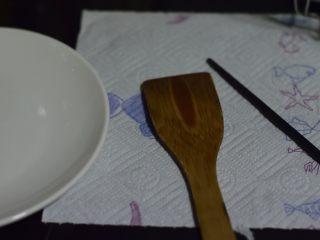 酥香黄油蛋卷,关键工具。