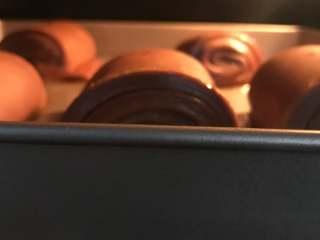 网红脏脏包,将发酵好的面团放入预热好的烤箱,180度20分钟。