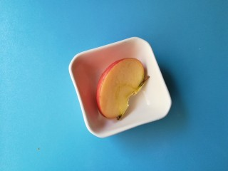 #改善便秘食谱#苹果红薯羹,苹果取1/8个