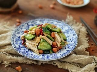 黄瓜腐竹拌花生米,成品图