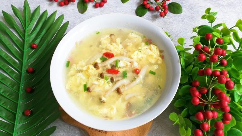 蟹味菇鸡蛋汤