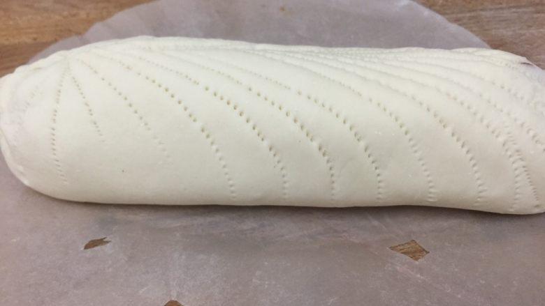 玫瑰花馒头,最后放入烤箱发酵,发酵好后上锅蒸20分钟即可