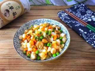 草菇虾仁  ,美味营养的草菇虾仁。