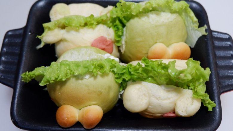 小熊排包三明治,依次塞进餐包里