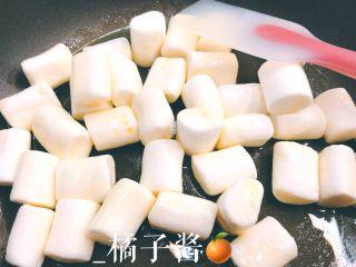 网红奥利奥雪花酥(台湾),加入棉花糖,小火熬化掉
