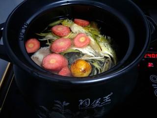 霸王花猪骨汤🐷,材料都放锅里加水!