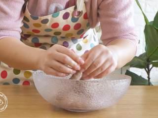 自制無添加脆皮腸,再也不用給寶寶買香腸了!,用棉繩進行打結分段
