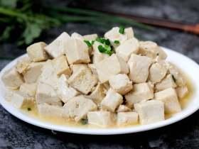 清炒豆腐块 鲜嫩可口又入味 最快手的豆腐炒法