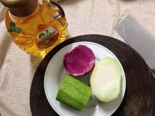 春知味――炝拌三丝,各种食材洗净去皮备用