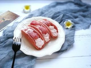 草莓奶油红曲小卷