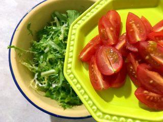 健康饮食の凉拌爽口小菜~苦菊裙带菜,加入小番茄
