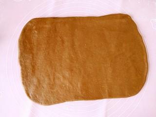 网红脏脏包,擀开,擀长方形也可,长长方形叶好薄点就好