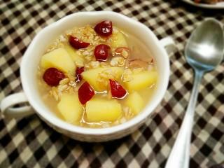 苹果红枣燕麦粥,成品。