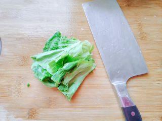 生菜豆腐肉沫羹,生菜洗净,只要叶子。