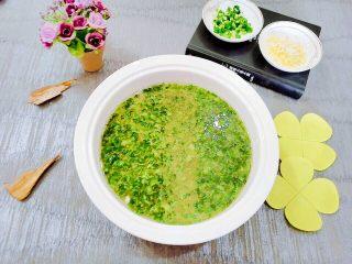 生菜豆腐肉沫羹,这道菜口味偏清淡,老少皆宜。   欢迎大家评论互相交流哦,谢谢大家的支持。