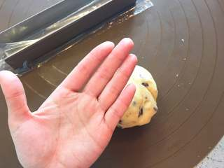蔓越莓曲奇餅,這一步我沒戴手套,手、硅膠墊都是乾乾淨淨的→_→