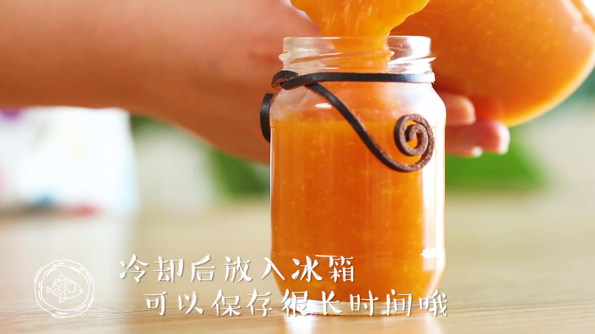 橘子果酱12m+(宝宝辅食),倒入玻璃罐中储存,容器要高温煮过,消毒晾干水分哈~</p> <p>Tips:冷却后放入冰箱,可以保存很长时间哦~