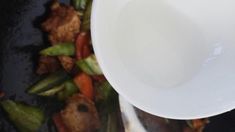 ~小炒肉~,倒入水淀粉