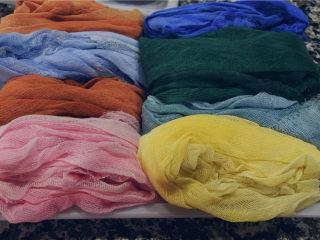 省时省钱省力——快手背景布,自制的快手背景布。大约某宝售价约为¥21元,10米长的医用纱布,可以制作12-15块推荐大小的背景布。平均差不多¥2元左右。而且随心所欲你需要的颜色。