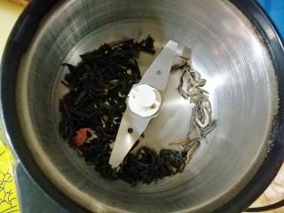 茉莉花茶曲奇 清新解郁,磨成茶粉