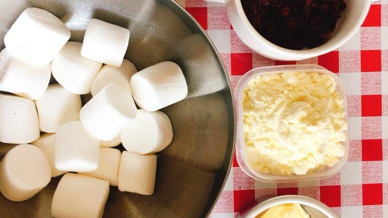 棉花糖版牛轧糖,准备好所有材料