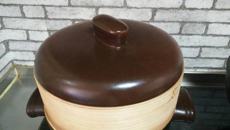 酿冬瓜,开水上锅蒸15-20分钟