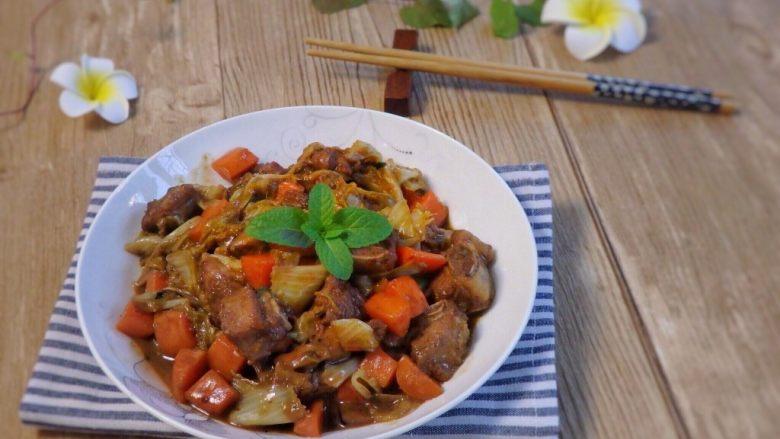 铸铁锅焖蔬菜排骨