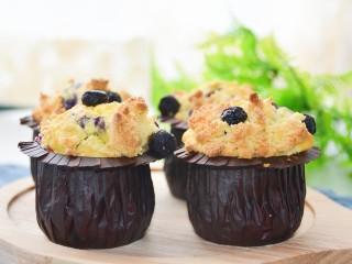 蓝莓酸奶酥粒麦芬,酥粒超级酥脆~