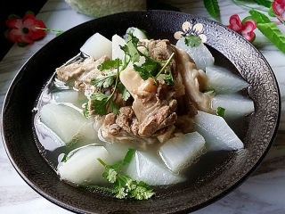 羊骨萝卜汤