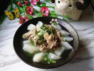 羊骨萝卜汤,清爽不油腻、美味又营养的羊骨萝卜汤就炖汤了