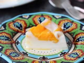芒果椰奶冻,如果没有可以用椰浆加吉利丁片混合来做