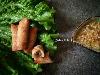 春卷――剩馄饨皮也有春天,用香醋调一份蒜泥,蘸春卷吃,太美味了!