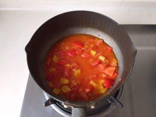 茄汁蓮藕雞肉丸子(親子版)-輔食,放入少許水煮一會兒
