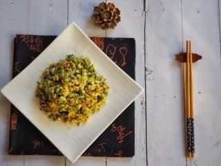 蕎菜炒雞蛋,蕎菜鮮嫩,配搭雞蛋的香味和菜脯的咸脆,口感豐富而有層次。