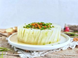 蒸蒸日上鲜美虾仁蒸冬瓜,浇上的蒸汁,撒上葱花。