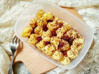 豆乳盒子(平底锅版,无奶油不甜腻),放冰箱里冷藏一下再吃口感更好呢。