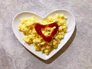 美好早餐开启美丽心情の黄金果酱馒头西多士+美式炒鸡蛋,加一点番茄酱更好吃