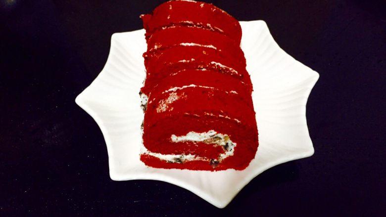 红丝绒蛋糕卷,超柔软的红丝绒蛋糕卷就做好了
