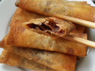 #做春卷# 红豆沙春卷,咬一口,很甜很香