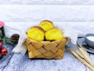 香甜松软的南瓜小面包
