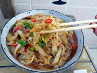 大鱼大肉吃的腻来盘开胃爽口的酸辣白菜,是不是超级有食欲。