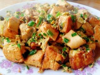 韭菜末鸡蛋煎豆腐