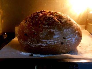 粗粮健康面包,烤制时间45分钟,10分钟后拿出换一个面,小碗拿出。
