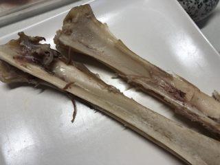 手撕羊肉,干干净净的羊骨,肉肉都取干净了
