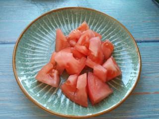 香菇番茄芝士面,番茄切小块