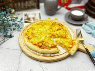 香甜玉米粒披萨,切开可以食用喽~