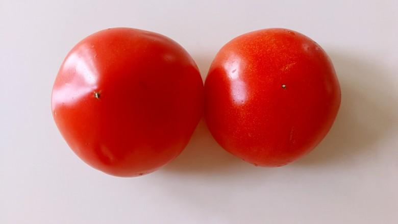 番茄豆腐巴沙鱼~让孩子爱上吃饭,西红柿洗干净
